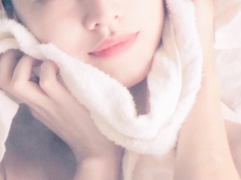 美容鍼コースで美容液シートマスクサービス