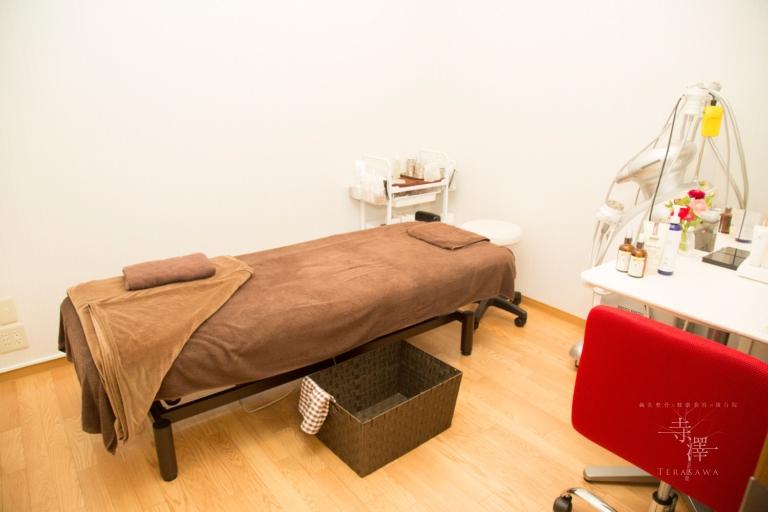 個室完備でアロマの香る美容鍼サロン・寺澤